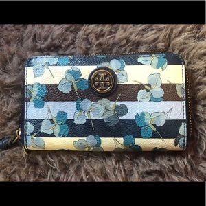 Tory Burch preloved smartphone zippy wallet